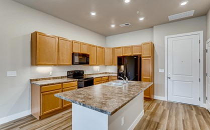 14341 e tennessee ave 105-large-006-010-kitchen-1500x999-72dpi
